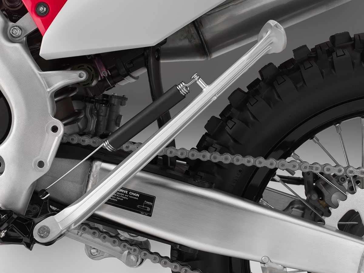 19-Honda-CRF450X_kickstand-up.jpg