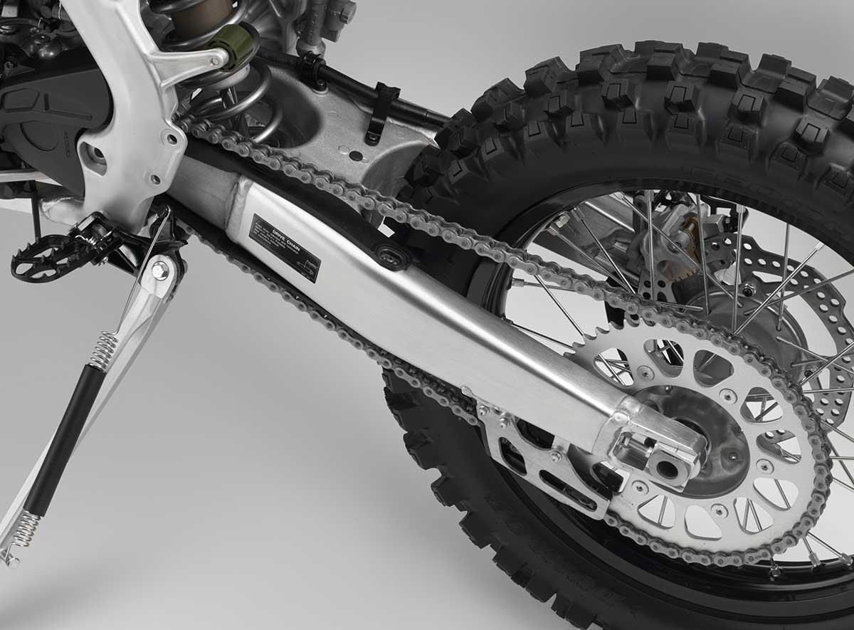 19-Honda-CRF450X_swingarm.jpg