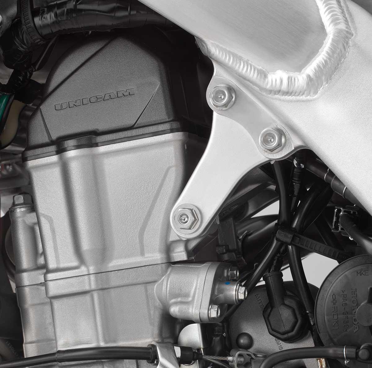 19-Honda-CRF450L_cylinder-head.jpg