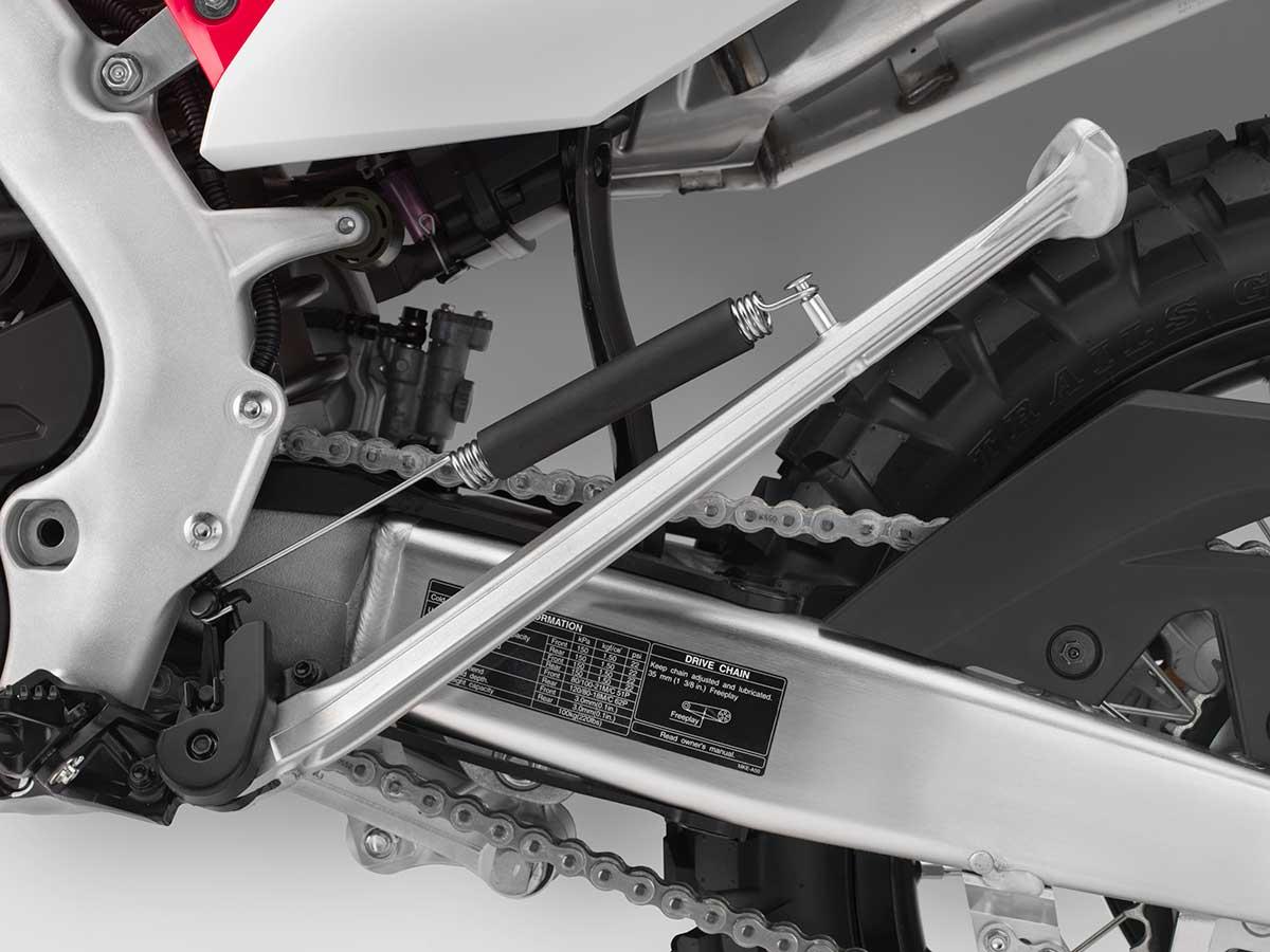 19-Honda-CRF450L_sidestand-up.jpg