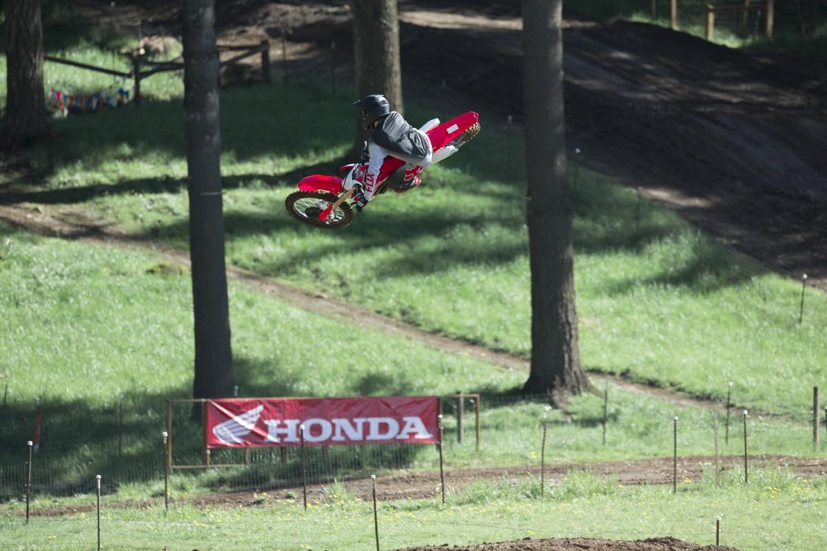 19 Honda CRF250R_Action_2.jpg