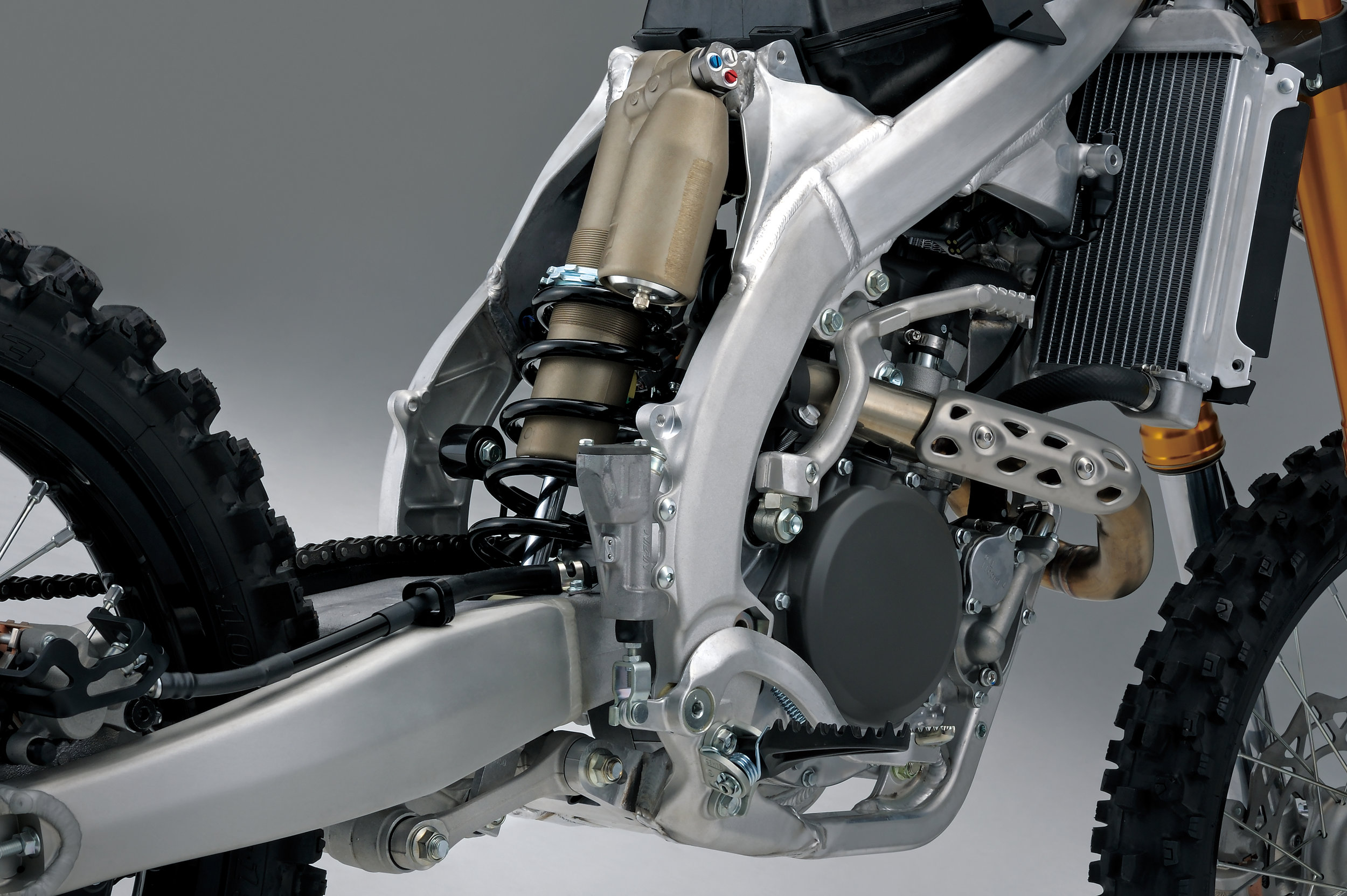 RM-Z250L9_rear_suspension_1.jpg