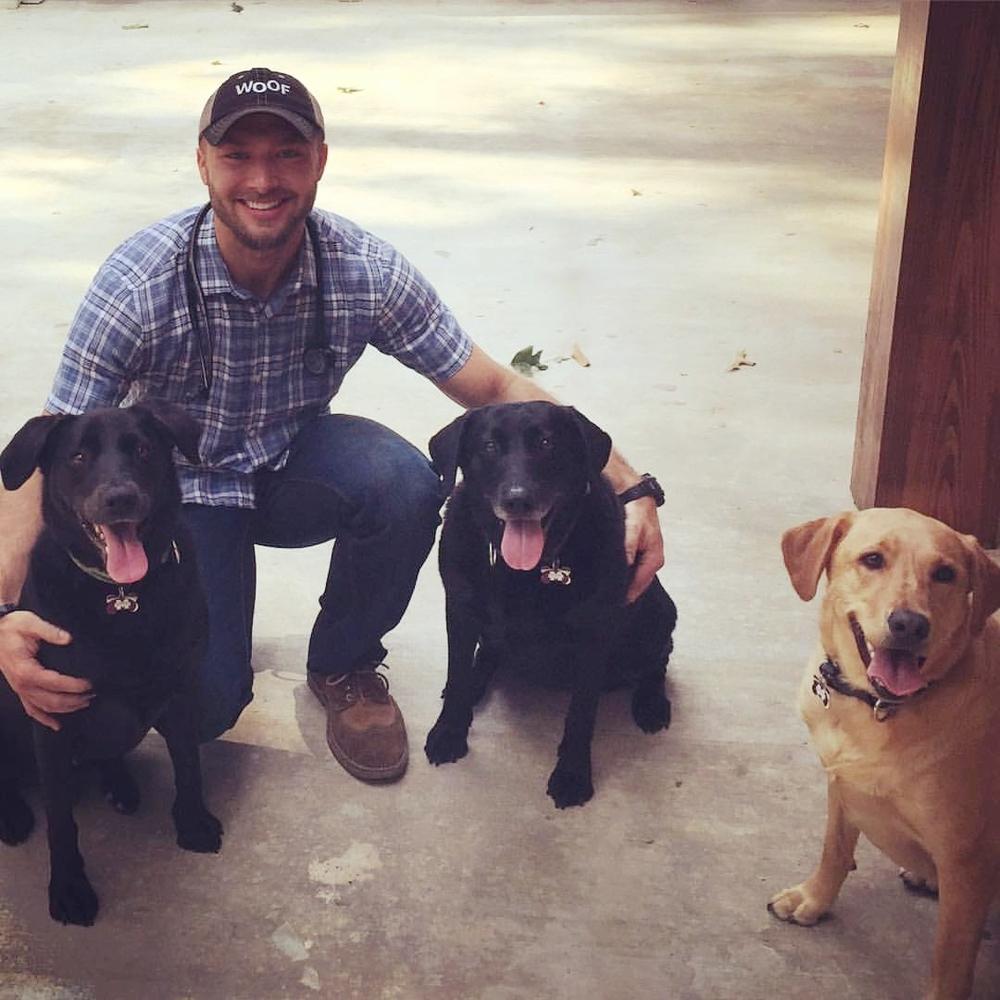 dr. Spencer mills veterinarian vet dog cat dogs cats