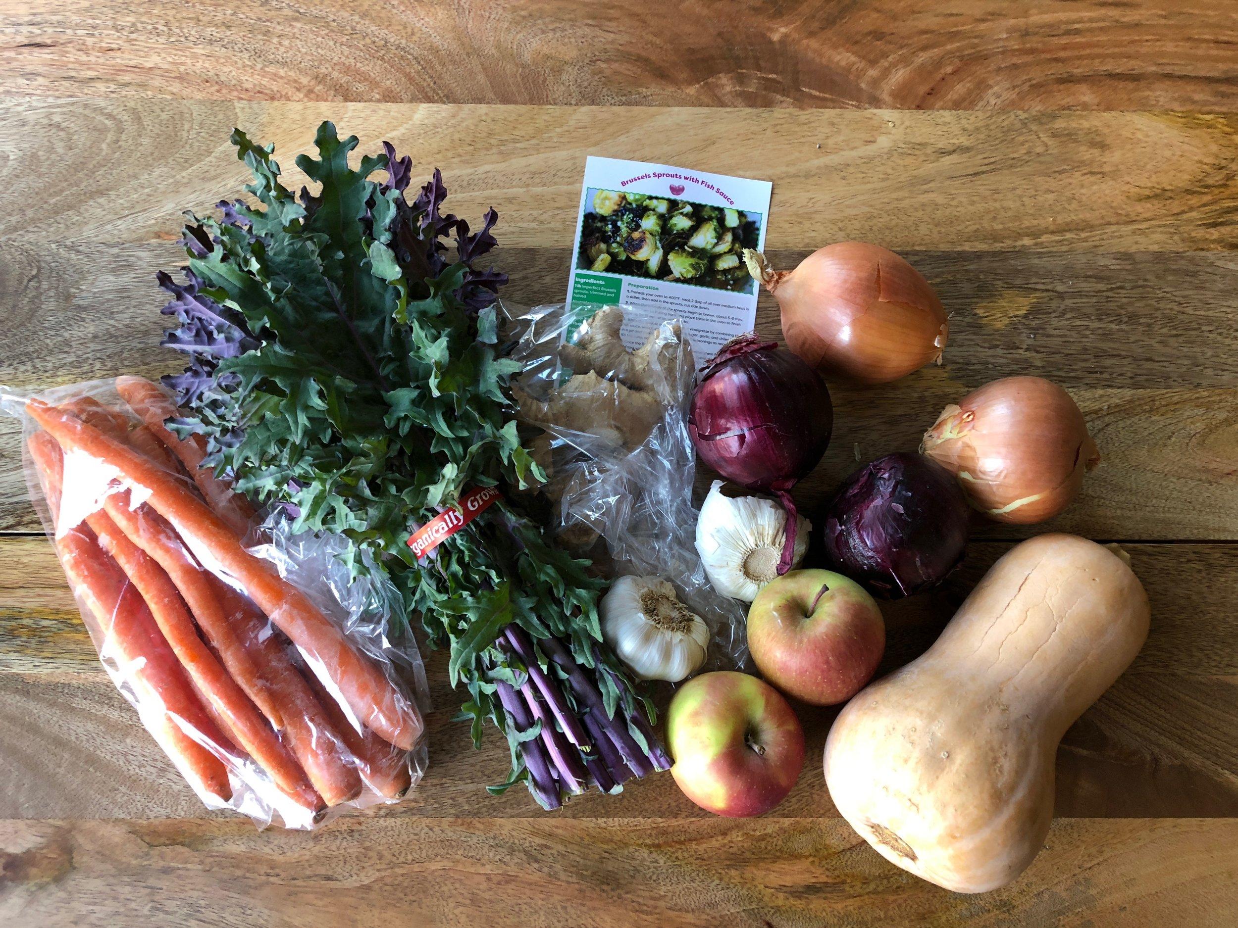 My latest box of Imperfect Produce (small box, organic)