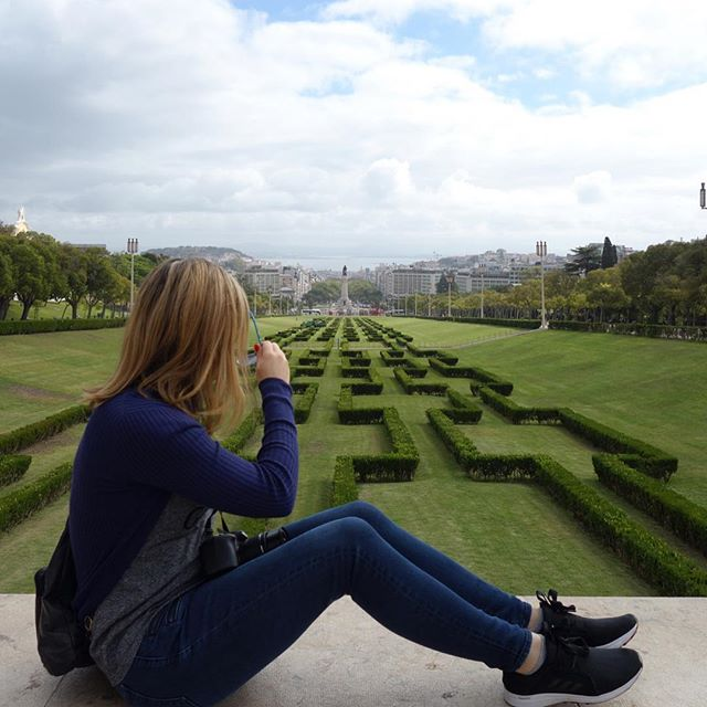 #tbt Lisbon & Italy in the Fall. Right now you can book round trip flights from Chicago or Indianapolis to Milan, Italy for ~$475 from mid January to mid March (spring break trip!) or from late October to early December, including over Thanksgiving on airlines such as @united @americanair and @tapairportugal (search all using Google flights or @skyscanner). You can also fly from Chicago to Lisbon for only ~$475 from mid Jan to mid March or late October to early December, including over Thanksgiving on various airlines including @americanair. If you want to stay in North America you can fly from Chicago to Vancouver nonstop for ~$300 from mid Feb to Mid May. Enjoy the journey! . . #flightdeals #traveldeals #chicago #indianapolis #travel #lisbon #milan #portugal #italy #travel #dametraveler #journey #jtgood