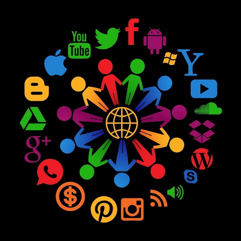 social-media-1430527_1920.jpg
