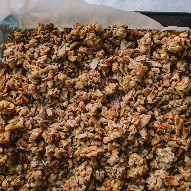 Granola may not be the most exciting thing but it's easy and dependable and really, I just love it. I think we all need a good go-to recipe for granola. This has been mine lately. It has the added benefit of legumes for more protein and fibre. Check out the link in the bio to read more about my love for granola and a recipe for chickpea granola. #plantbased #granola #livegoodnutrition #legumes #chickpeas