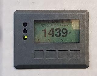 Fronius screen showing a green light