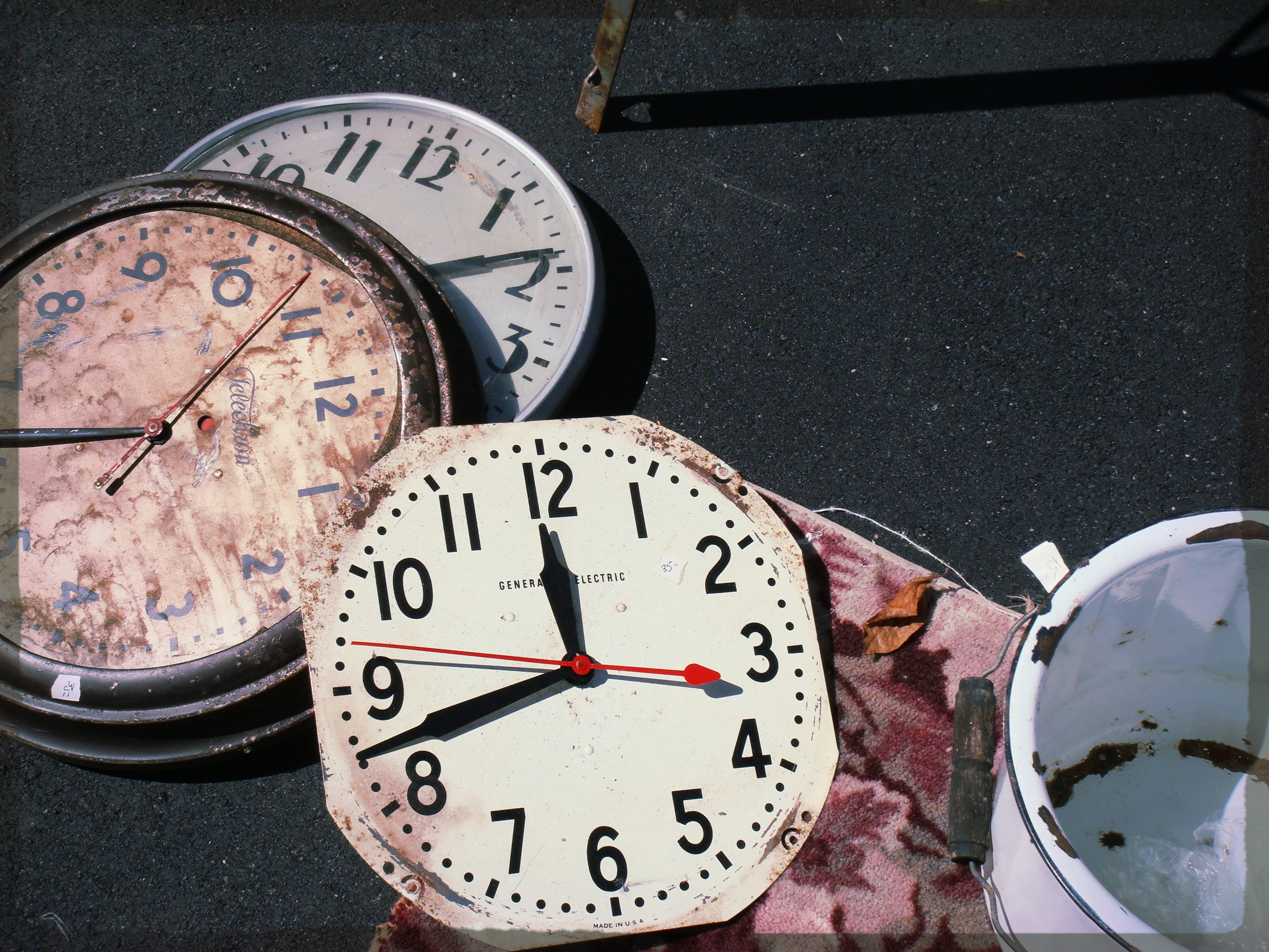 Stop the clocks, Oakland flea market