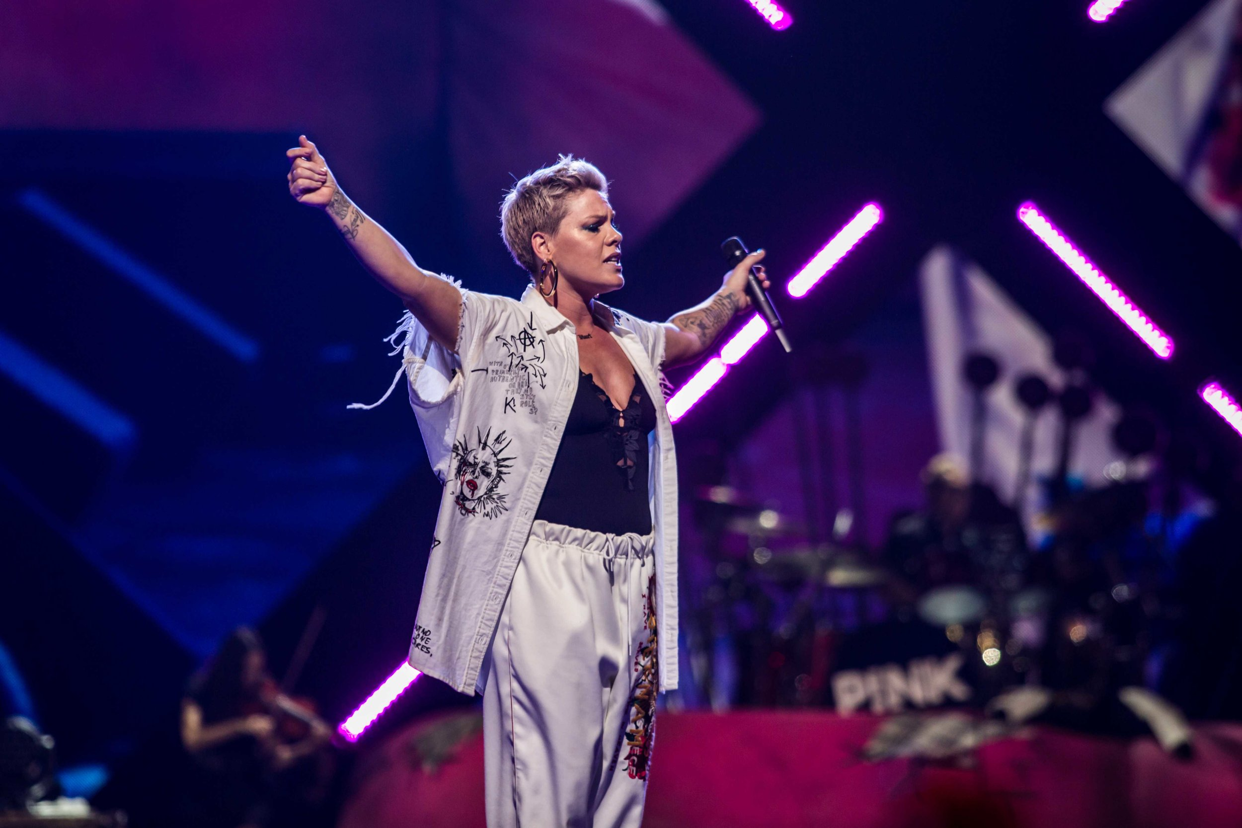P!NK rocking the house on Friday night in Minneapolis (photo credit: Tyler Bloomquist)