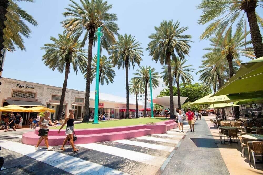 Lincoln Road Mall Super Bowl 2020 Miami.jpg