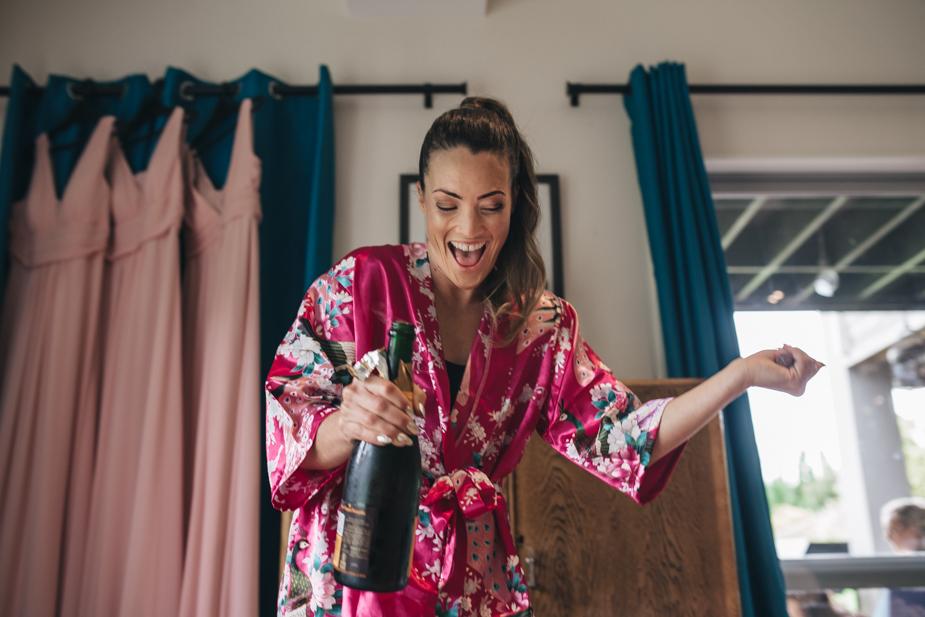 Auckland wedding photographer, Lopdell House wedding, Titirangi-8.jpg