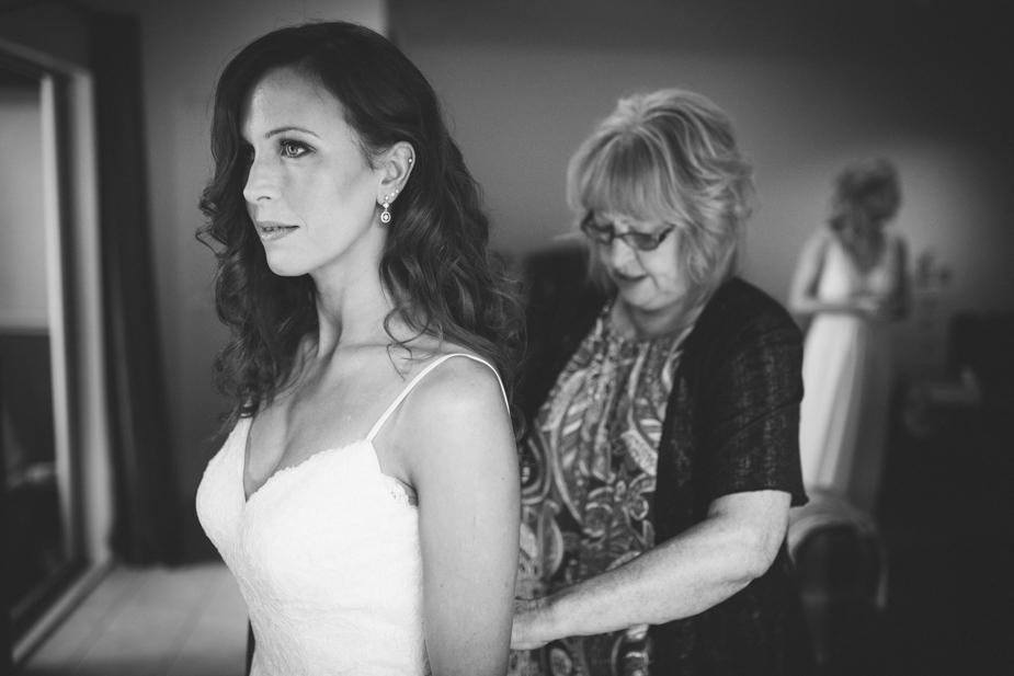 Auckland wedding photographer, Lopdell House wedding, Titirangi-10.jpg