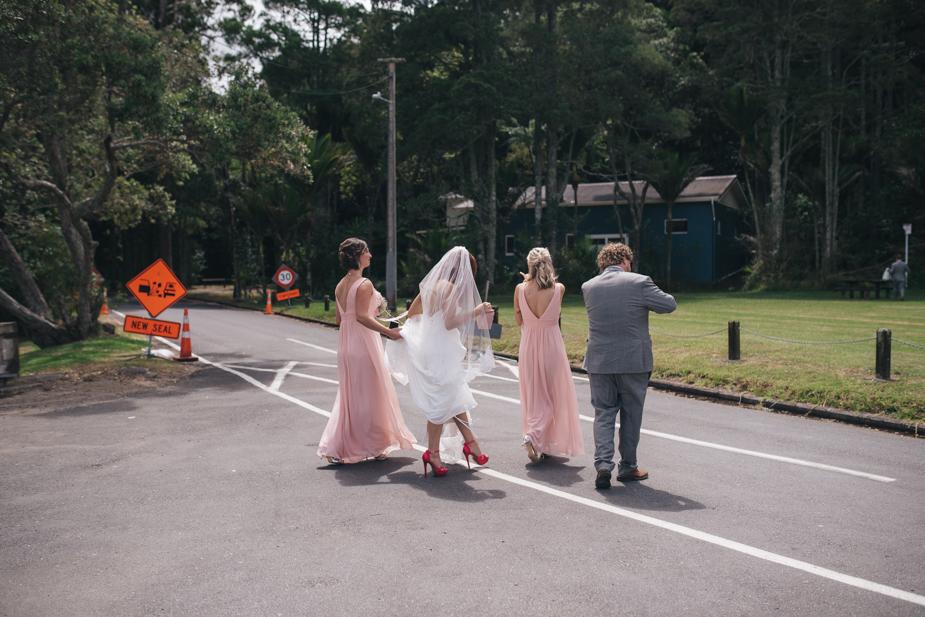 Auckland wedding photographer, Lopdell House wedding, Titirangi-19.jpg