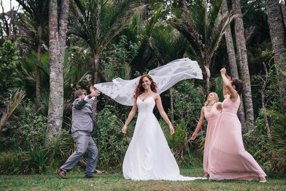 Auckland wedding photographer, Lopdell House wedding, Titirangi-20.jpg