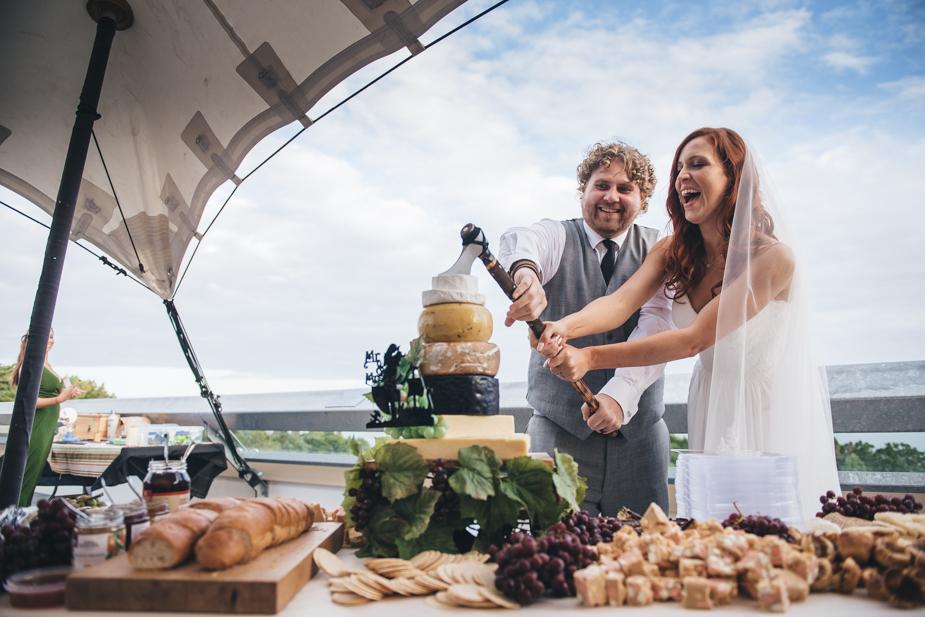 Auckland wedding photographer, Lopdell House wedding, Titirangi-32.jpg