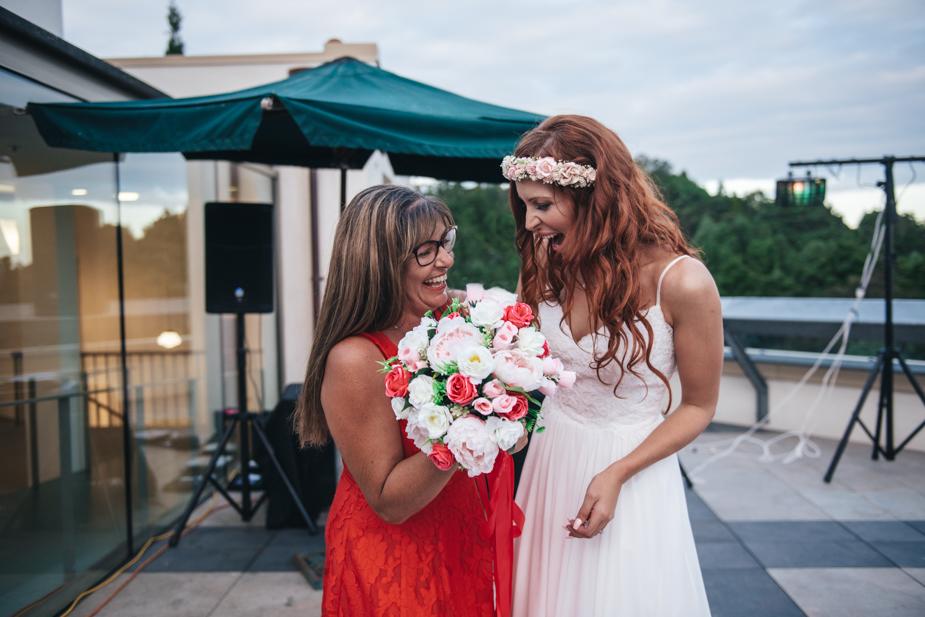 Auckland wedding photographer, Lopdell House wedding, Titirangi-36.jpg