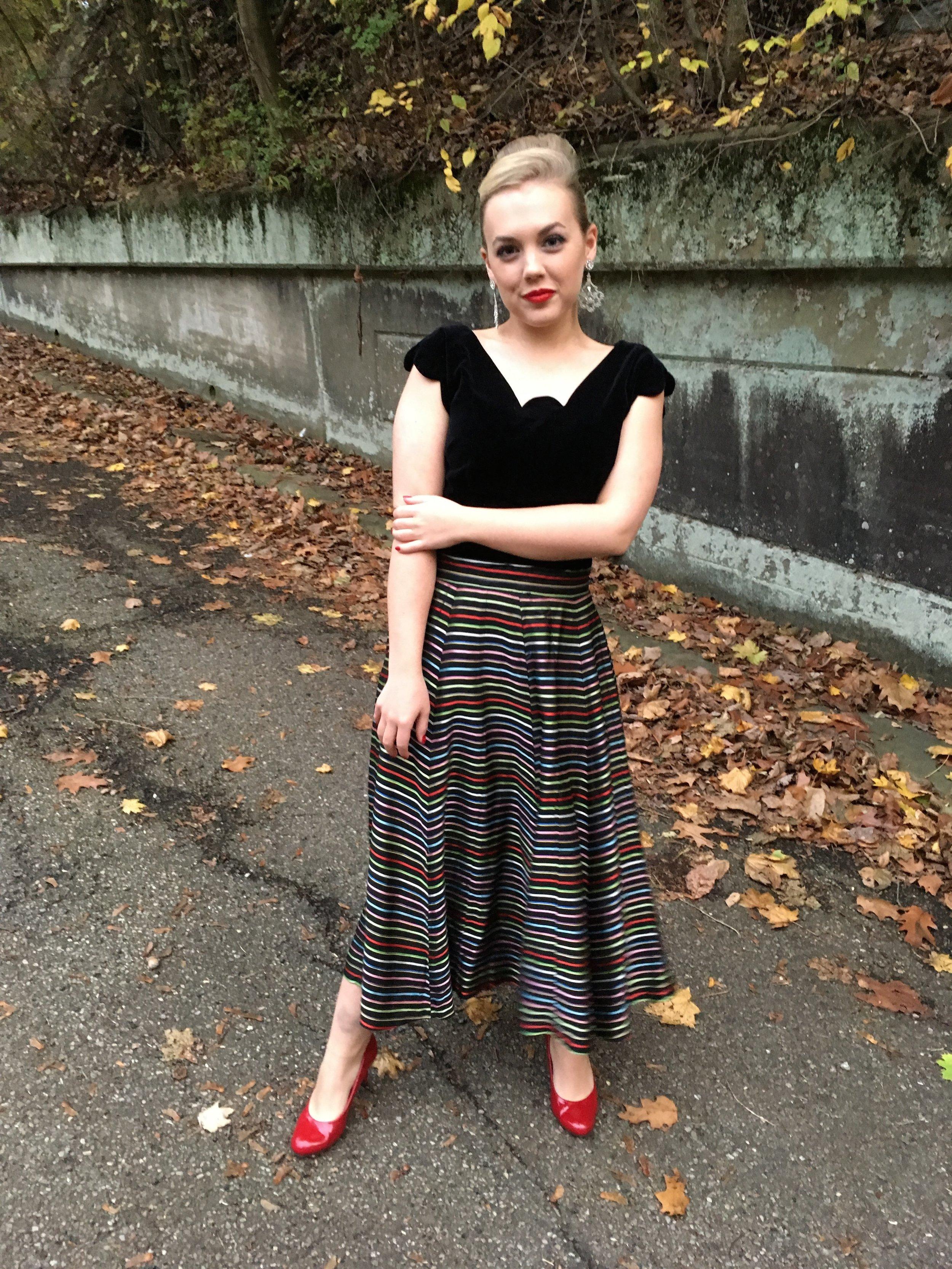 Hey Betty   vintage skirt,   Three Rivers Vintage   top,   Comfort Plus   heels, vintage gloves at yard sale, Cape at yard sale