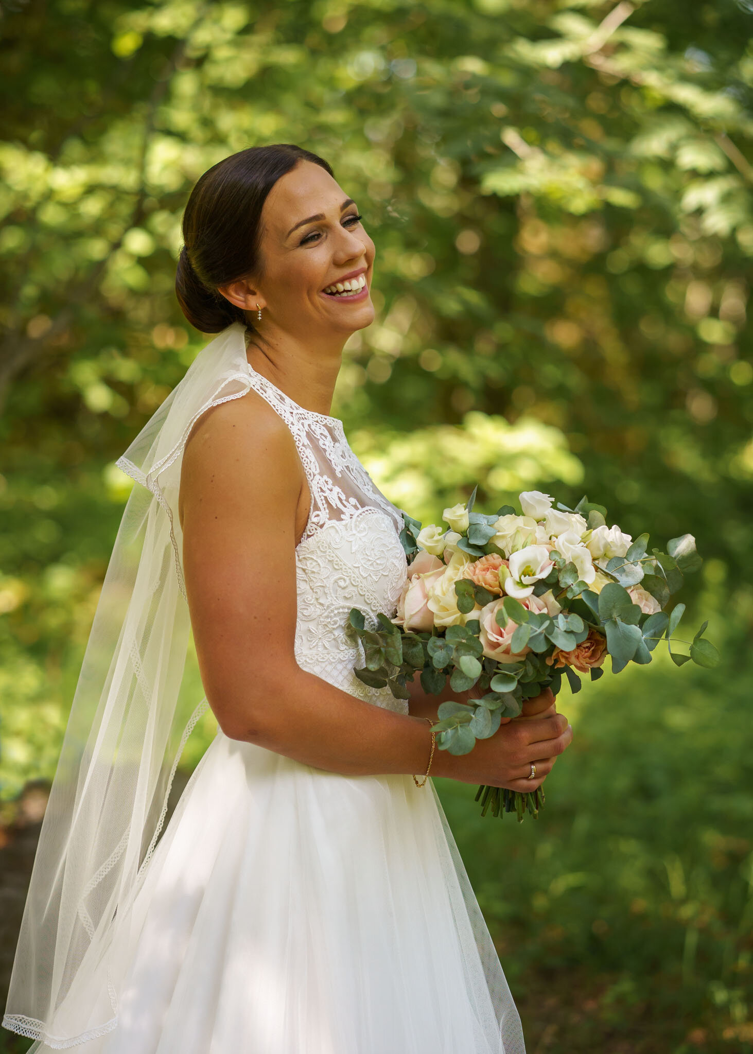 Bruden halvfigur.jpg