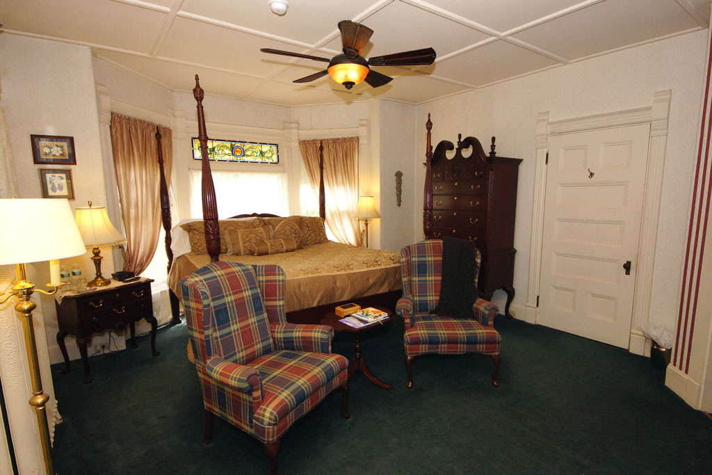 Photo of Grand Manan guestroom