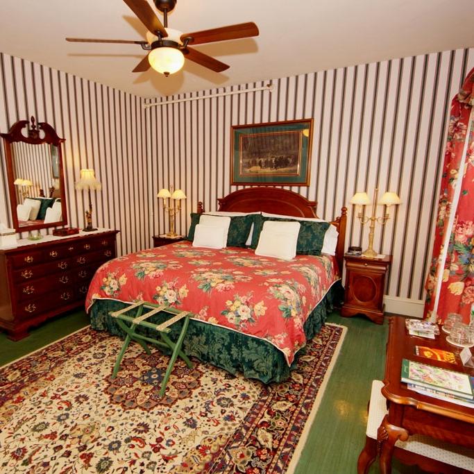 Photo of Fox Island guestroom