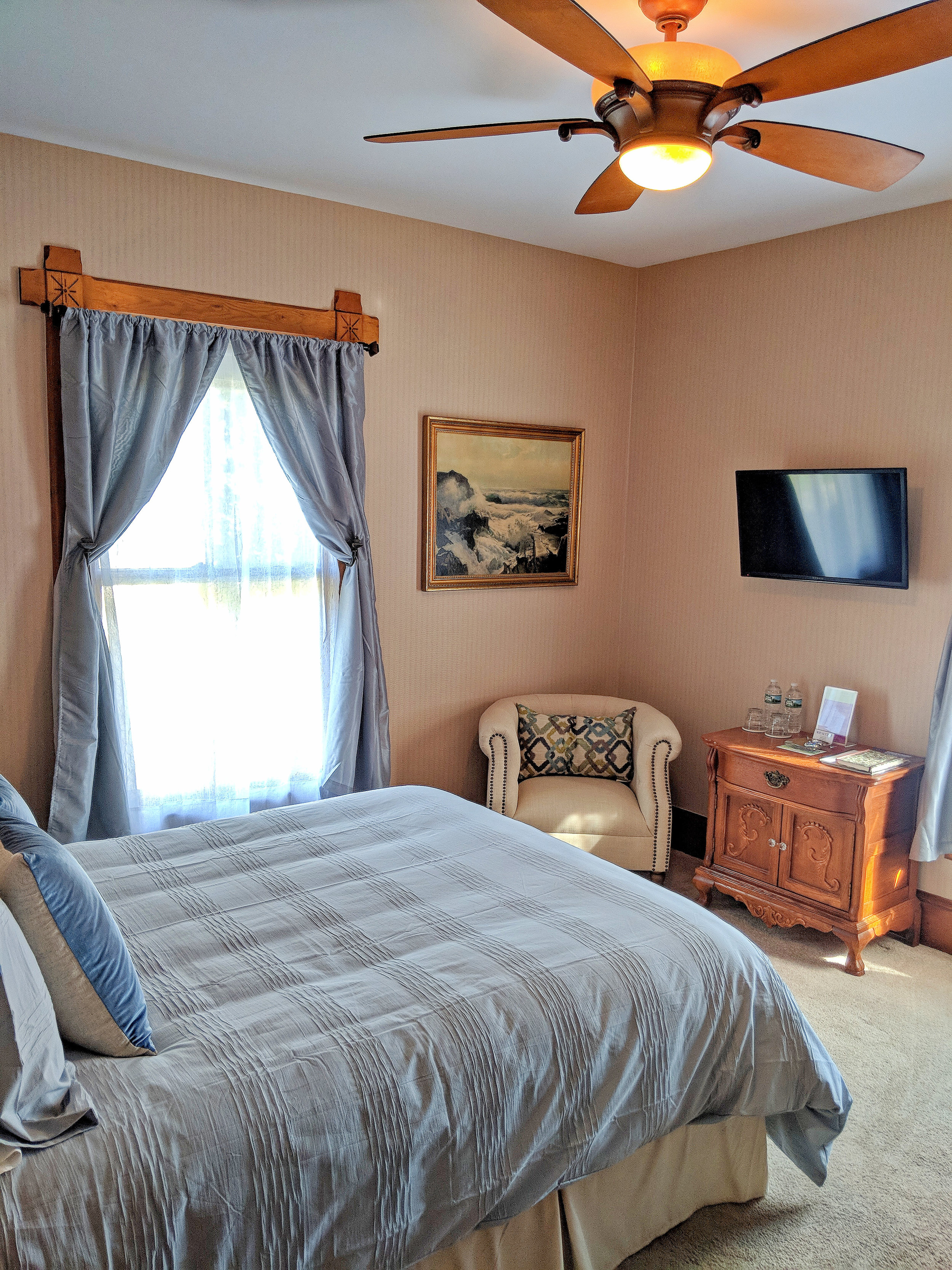Photo of Seguin guestroom