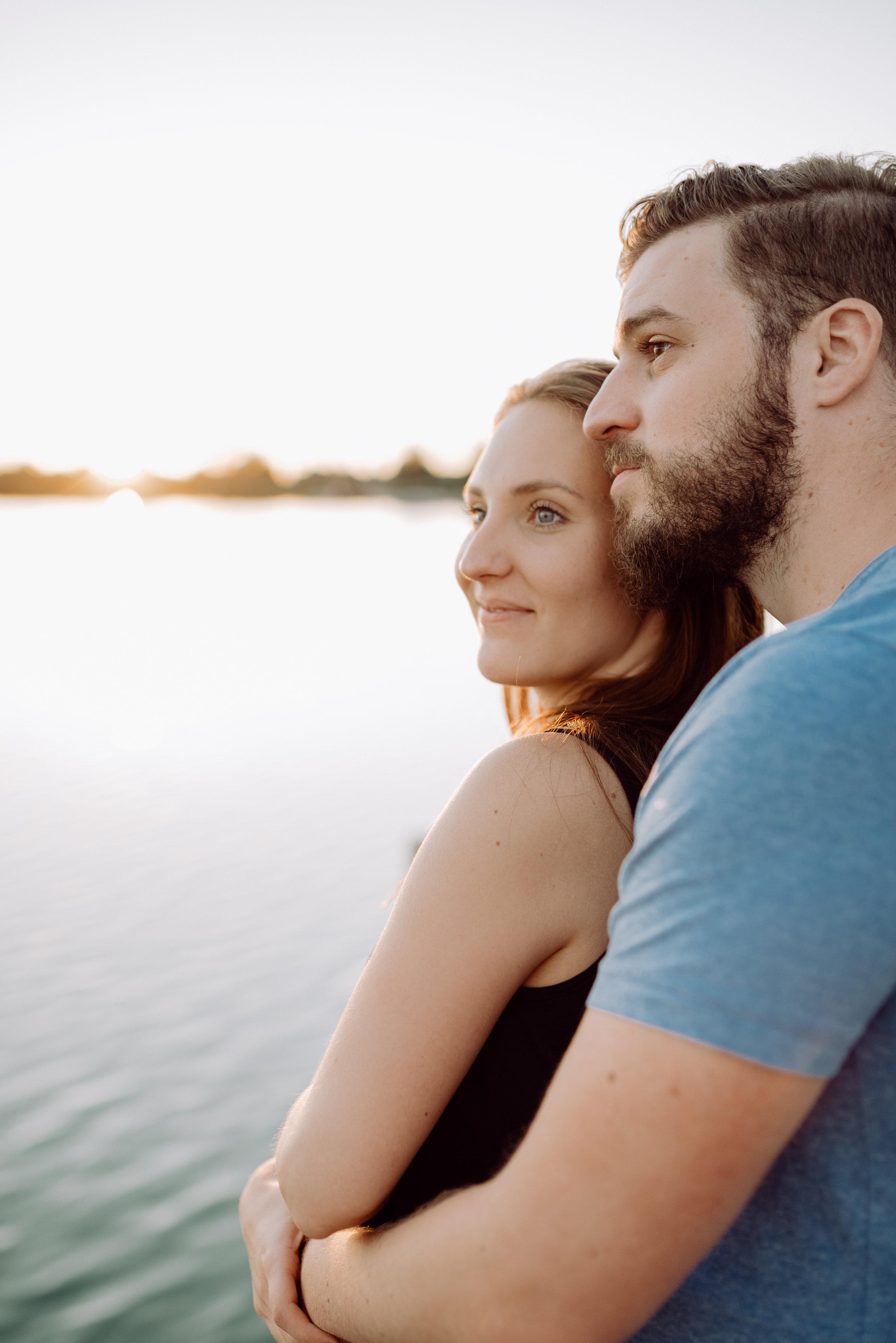 PAAR SHOOTING - Lebendige und vertraute Fotos von Euch als Paar.Nehmt mich mit zu einem Spaziergang, an einen See, oder in ein gemütliches Kaffee. Gemeinsam realisieren wir Euer ganz persönliches Foto-Shooting.Ab CHF 390.-