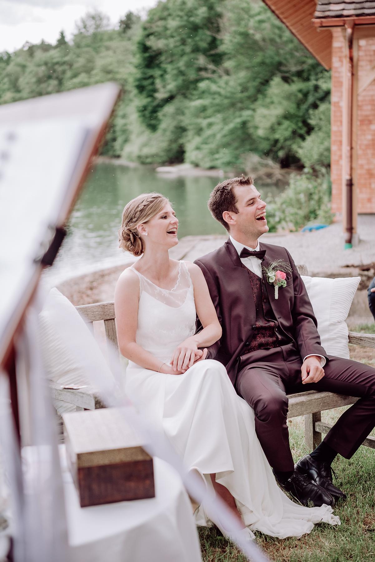 Sommer Hochzeit in Diessenhofen direkt am Rhein. Fotografiert von Beka Bitterli, Hochzeitsfotografin aus Winterthur.
