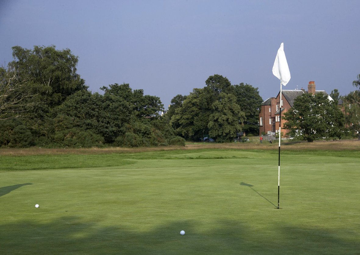 12 | Plateau - Par 3, 228 yards, Stroke index 7A challenging hole, requiring a long accurate shot to find the green, with trees and a steep bank to the right and out of bounds to the left.