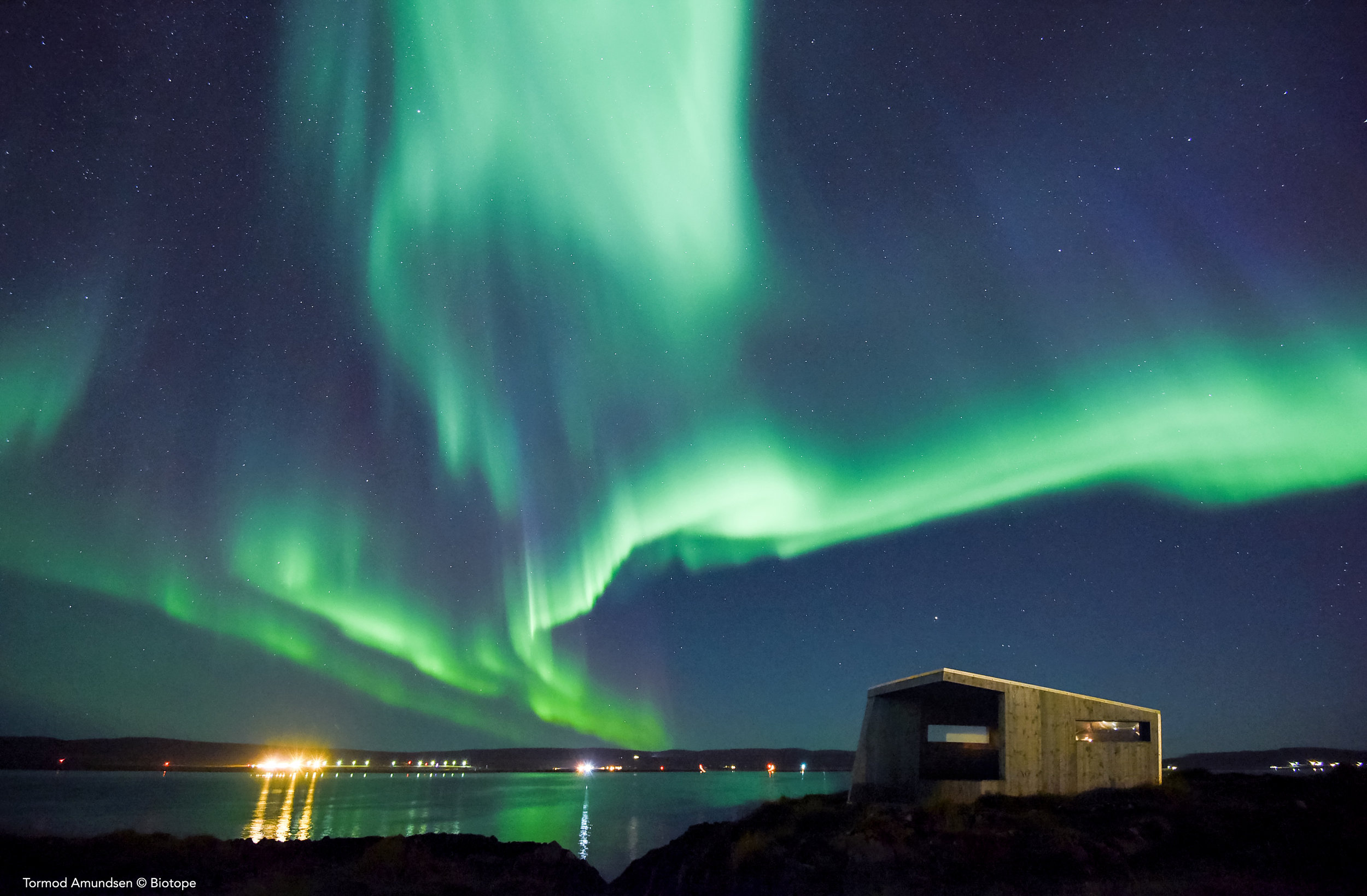 Northern lights over Vardø and Bussesundet Biotope © Tormod Amundsen