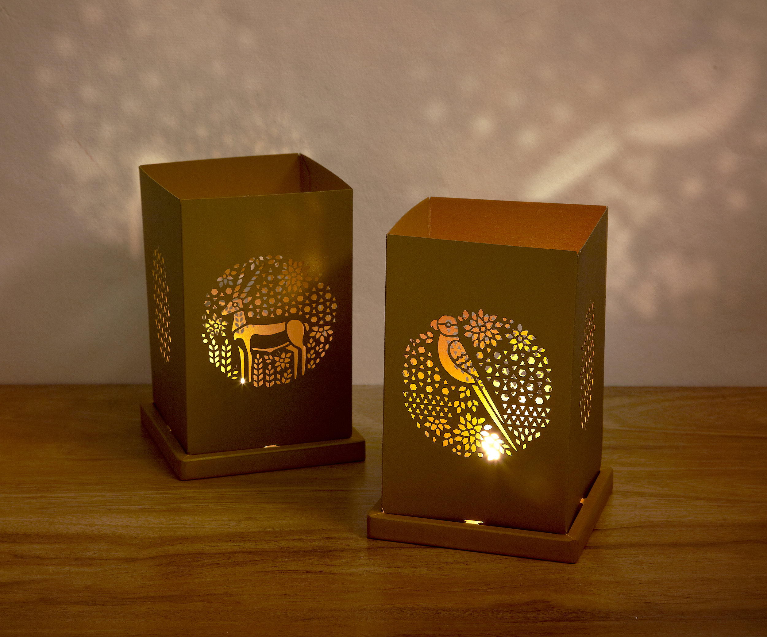 Gold tealight locopopo 03.jpg