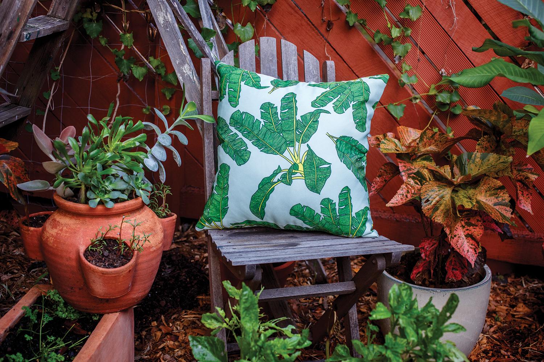 palm-print-pillow-green2.png