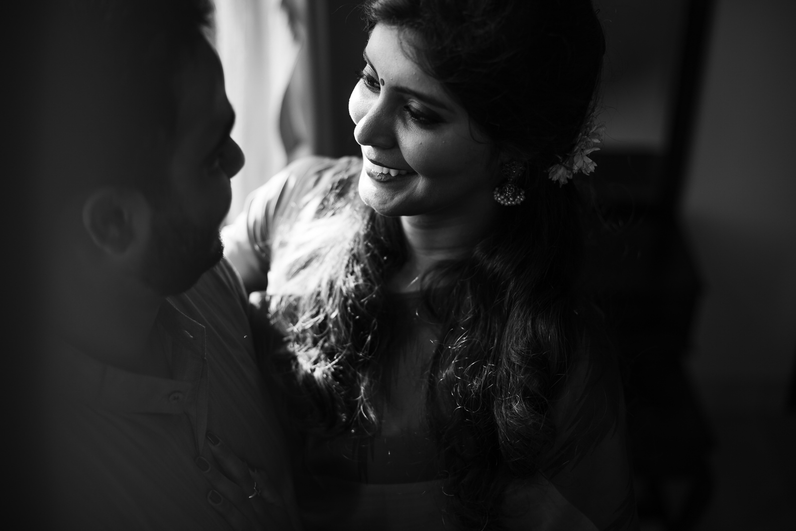 Vaidhee Keerthana Couple Shoot-161.jpg