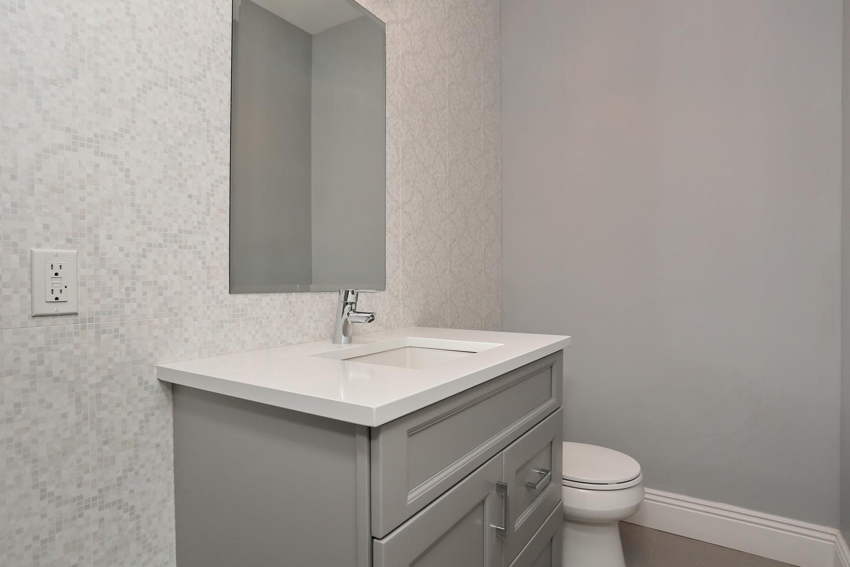 265 Carolina Dr Oradell NJ-large-019-20-Powder Room-1500x1000-72dpi.jpg