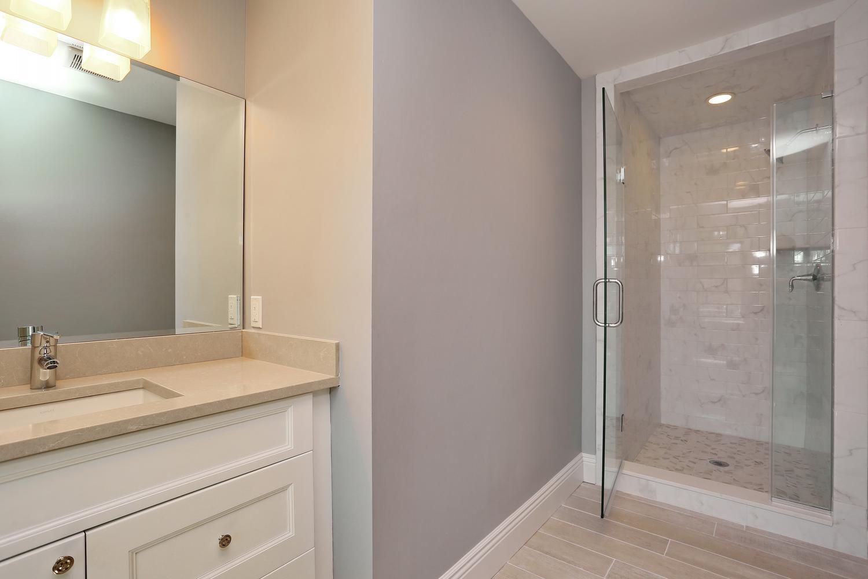 265 Carolina Dr Oradell NJ-large-035-34-Bathroom-1500x1000-72dpi.jpg