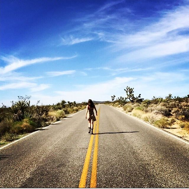 """""""It's a hard way to find out that trouble is real, in a far away city, with a far away feel"""" - #gramparsons • #joshuatree #joshuatreenationalpark #musicislife #desertroad #desertskies #california #songwritinginspiration"""