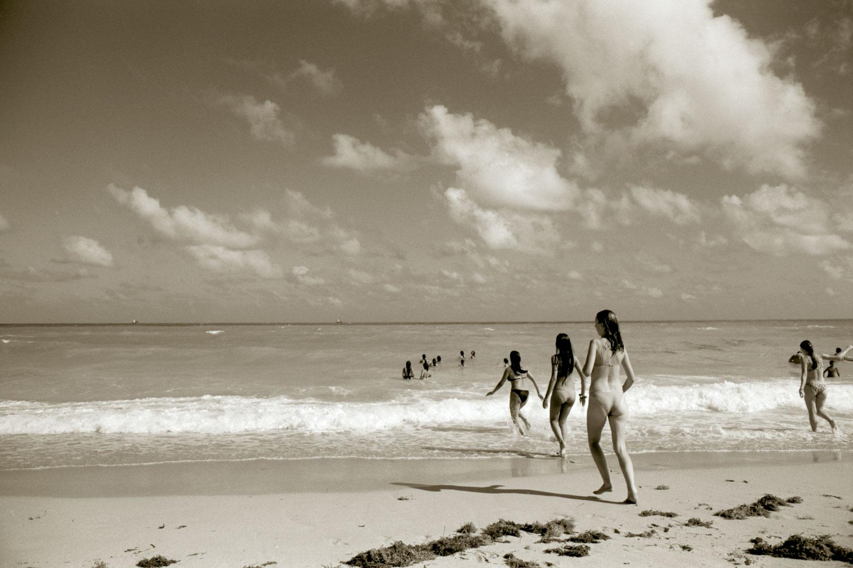 BeachGirlsMiami'97