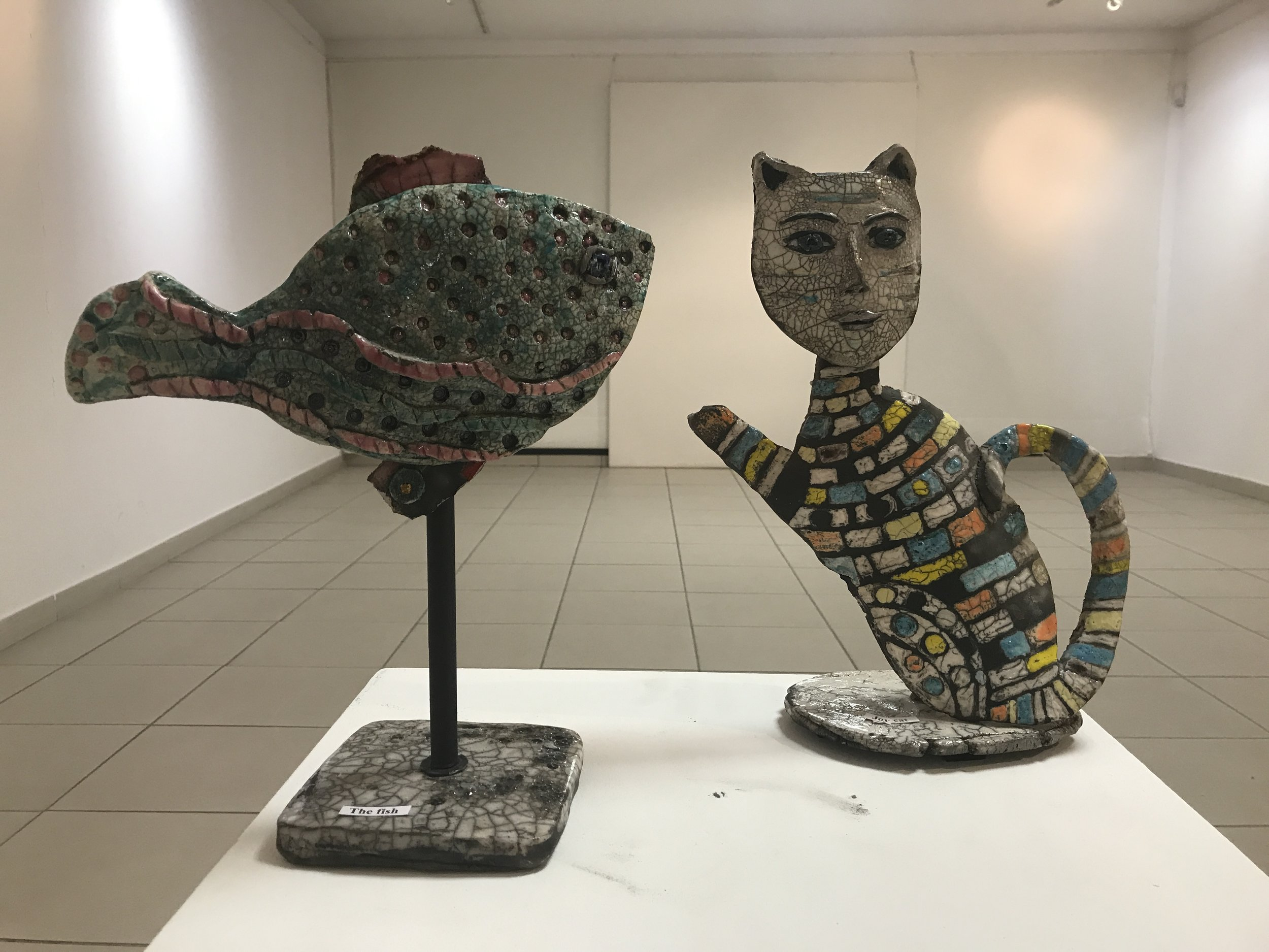The fish 🐟 et Joy the cat Sculptures Raku