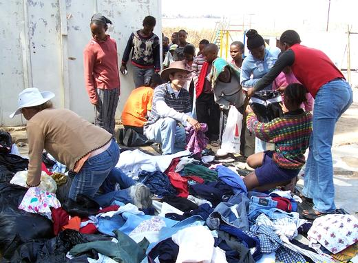 Distribution_of_clothes.jpg