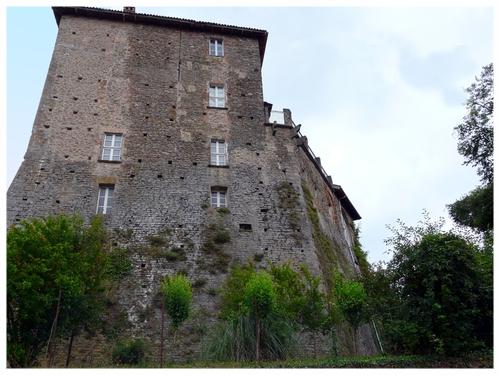 Castello-di-Borgomale-4.jpg