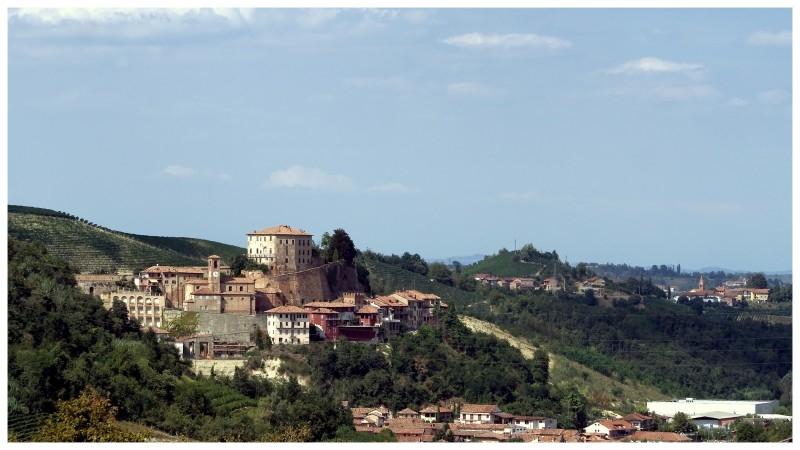 castellinaldo comune langhe e roero piemonte turismo in langa tour delle langhe vini piemonte cucina piemontese visitare le langhe cultura.jpg