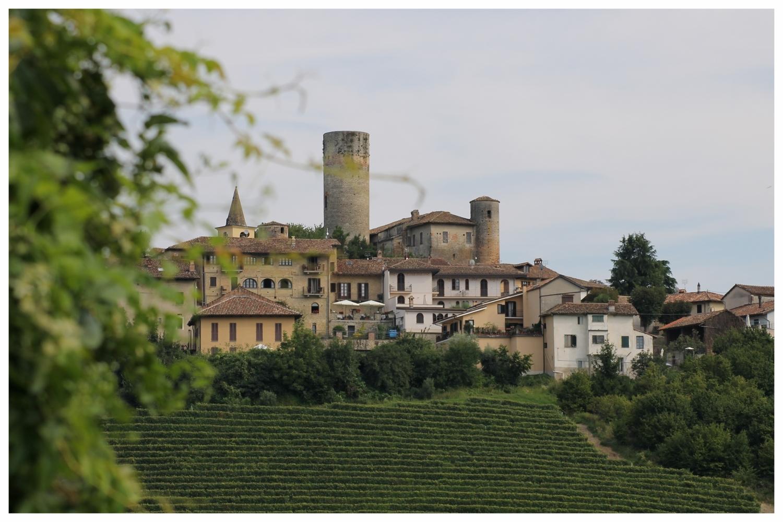 Castiglione_Falletto comune langhe e roero cuneo piemonte turismo borghi d'italia turismo arancione vivere langa castelli.jpg