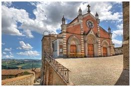 castiglione falletto comune langhe e roero piemonte turismo in langa percorsi nelle langhe vini piemonte  castelli.jpg