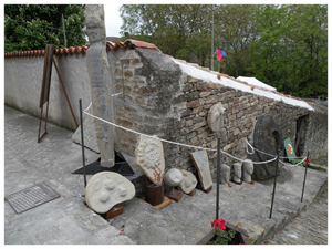 Castino comune langhe e roero piemonte turismo in langa visita il roero percorsi tour festa dei fiori.JPG