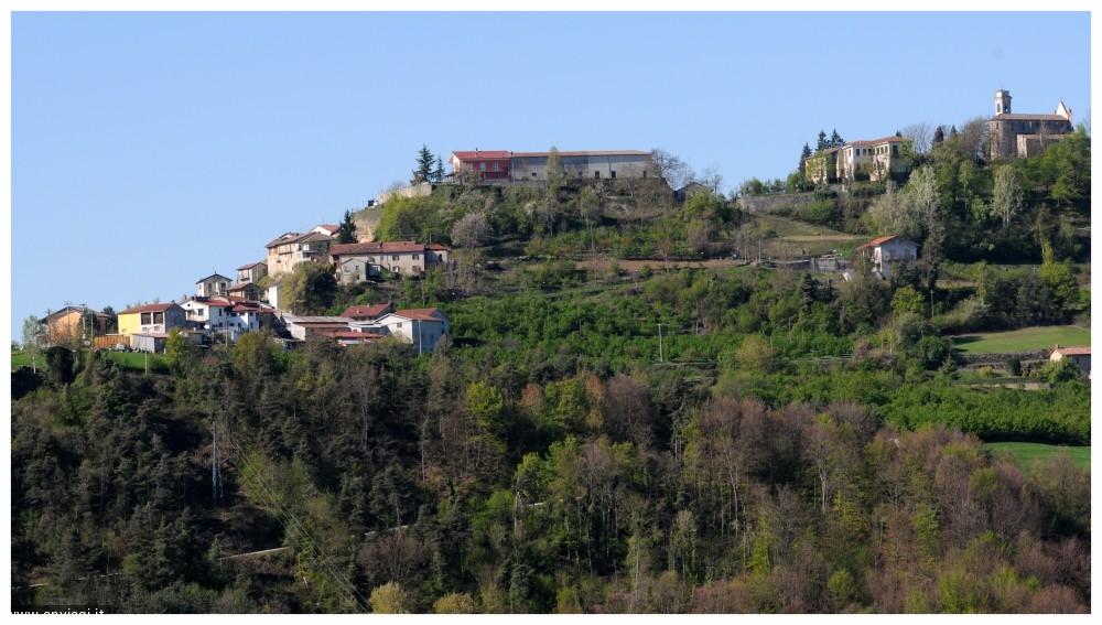CERRETTO LANGHE TURISMO LANGHE E ROERO PIEMONTE TOUR PERCORSI ENOGASTRONOMICI ITINERARI VIAGGI  VISITA.jpeg