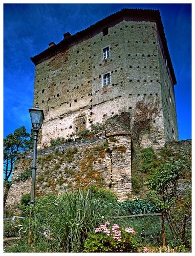 CASTELLO MARSAGLIA CUNEO.jpg