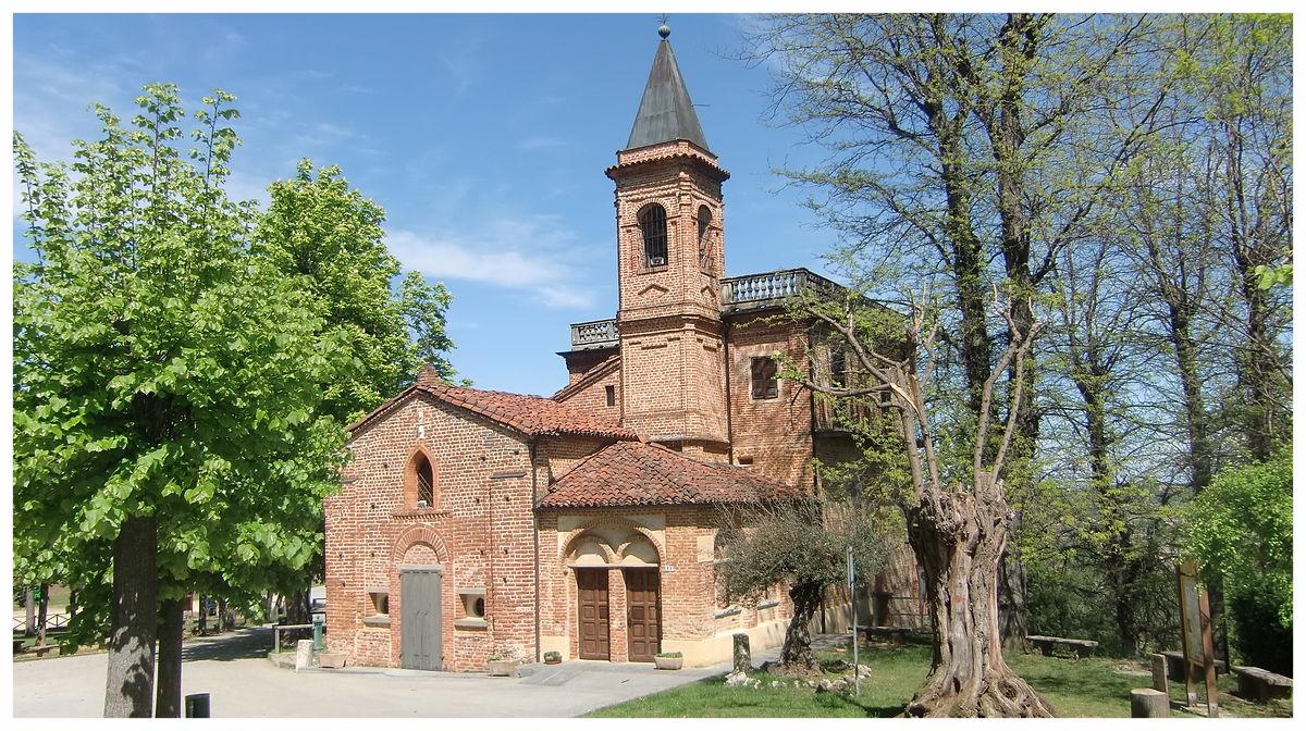 1200px-Montà_Santuario_dei_Piloni.JPG