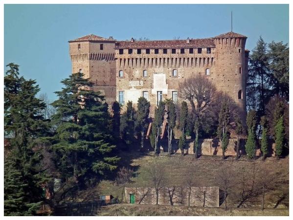 castello monticello alba.jpg