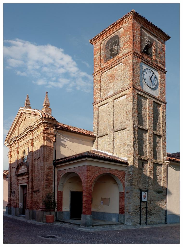 Paesaggio_di_Neviglie COMUNE LANGHE ROERO PIEMONTE TURISMO TOUR ITINERARI VISITA LE LANGHE CHIESA SAN GIORGIO.jpg