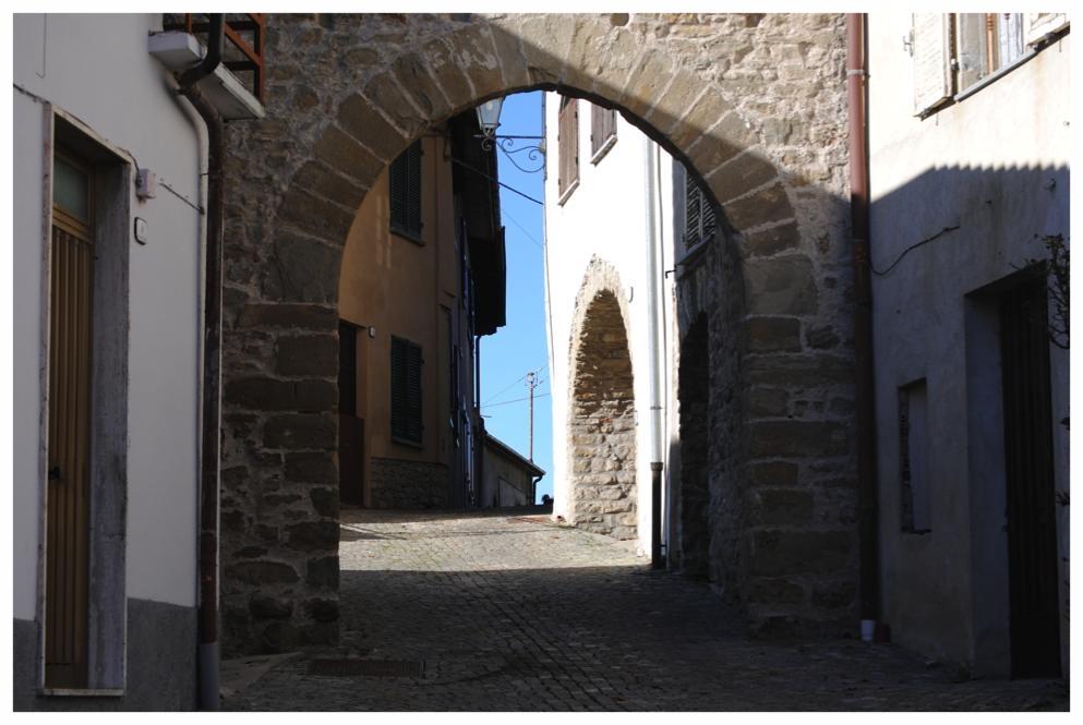 niella belbo piemonte cuneo langhe roero turismo visita tour percorsi itinerari cosa vedere torre .jpg